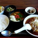 喜多八菜館 - 料理写真:中華薬膳カレー セットとスープをミニラーメンに変更