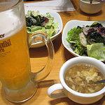 8848109 - ビールとスープとサラダ