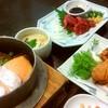 釜萬 - 料理写真:馬刺しと唐揚げと、サケ釜飯