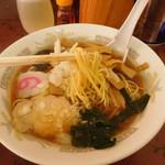 紀の家 - メンマラーメン(麺リフト)