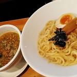 博多ラーメン 琥家 - つけ麺は麺がモチモチしてる( '-^ )b
