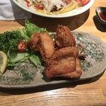 居酒屋 雑魚や - 2つ食べたけど、とりももからあげ ¥550