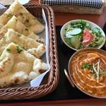 天竺薬膳 北印度料理 みらん - チキンカダイ+ガーリックナン
