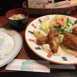 G'Day - 料理写真:エビフライ & カニクリームコロッケ定食