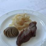 家全七福酒家 SEVENTH SON RESTAURANT - 前菜3種 サーブして頂きました。