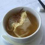 家全七福酒家 SEVENTH SON RESTAURANT - フカヒレ入りスープ餃子  最上級の上湯
