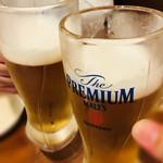 肉系居酒屋 肉十八番屋 - 生ビールでカンパーイ!