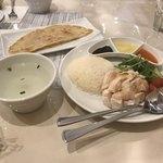 オキナズ カイナンケイハン - 海南鶏飯(小)とロティ