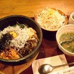 欣龍 - 釜揚げしらす石焼きビビンバ丼