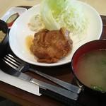 惣菜ばる おためし屋 - チキン照焼き定食 750円