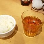 東京担々麺 RAINBOW - ご飯、ルイボスティー