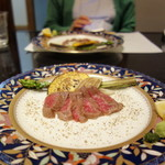 和匠よし乃 - 大蒜と胡椒と岩塩で味わう淡路ビーフのたたき