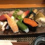 玄海鮨 - 値段にしては 立派なにぎり