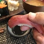 玄海鮨 - 分厚い鮪の赤身