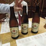 老辺餃子館 - ビールは赤星