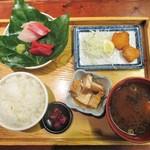 まるさ水産 - まるさ日替わり定食 880円(税別)。     2018.06.30