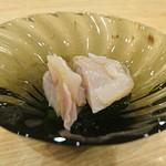88522913 - 千葉県産はまぐりの酢の物、わかめ
