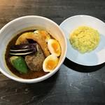 スープカリー専門店 元祖 札幌ドミニカ - 料理写真:ハンバーグスープカリー、辛さ8番です。