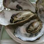 オイスターカフェ - 料理写真:蒸し牡蠣500