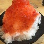 無添くら寿司 - ふわふわのかき氷 いちご