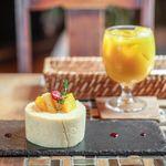 タキッサ - 料理写真:もっちりマンゴーのロールケーキ、マンゴーレモンジュース