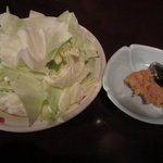 煮込み屋ぐっつ - 鯛味噌キャベツ。400円