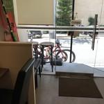 パルフェ - カウンターから見た、入り口辺りの風景(2018.7.1)