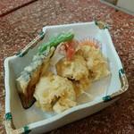 長谷川寿司 - 鱧と夏野菜の天ぷらです