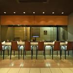 kitchen 伊志川 - シェフの技を間近で見られる鉄板カウンター席。(最大6名様までのご利用が可能です)