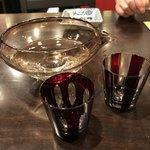 山久 - ドリンク写真:デキャンタ+グラス