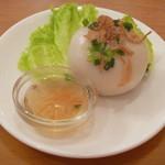 ベトナム食堂フォー・ホア - 豚肉の緑豆あん包み団子 (バイン・イッ・チャン)