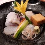 与志福 - 鱧の焼き霜 ホシカレイ 鯛 泡醤油 梅肉ダレ