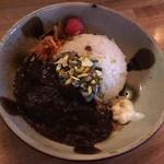 OHIO - マトンカレー+香菜サルサ