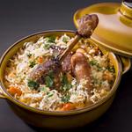 カスレ 鴨肉のコンフィとソーセージ白インゲン豆の煮込み