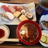 三藤屋 - 料理写真:海鮮丼¥830-