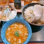 らー麺土俵 鶴嶺峰 - 料理写真:♦︎ZAN〜山〜 750円 ♦︎力士味噌のっけ丼 250円