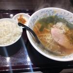 嘉楽料理館 - マーボー豆腐とラーメンセットのラーメンとライス