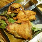 食堂ひな - 若鶏の半身揚げ ¥1,180