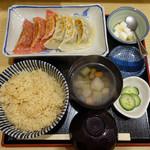和味餃子 - 白赤 2色餃子(焼)