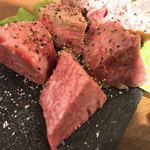 ニクヤキ ギンキョウ - 牛タン元の厚切り アップ