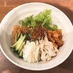 ニクヤキ ギンキョウ - ピビン麺