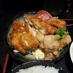 鳥みつ - 料理写真:「日替りランチ (700円)」のチキンカツ