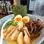 濃厚鶏そば 真白 - 特製和風鶏白湯そば     ¥880