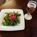 88559447 - ベルギー名物・トマトクルヴェット~トマトに詰めた小海老のサラダ~とステラ・アルトワ250ml