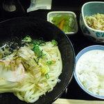 柔製麺 - 定食です。オカズもご飯もボリューミー