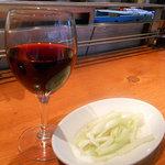 カルミネ表参道スタンド - ワインとセロリのピクルス