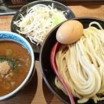 三田製麺所 - 野菜盛りと半熟玉子つけ麺     ¥980