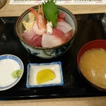 88561951 - 海鮮丼(¥1,200)