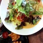 中国料理 天蘭 - 豆乳冷し坦々麺ランチ  トマト等野菜いっぱいでさっぱり頂けます。