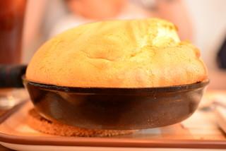 カフェ・エイチ&ピー・バイ・ハート&ピース - パンケーキを横から